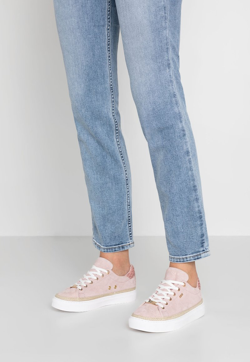 Mexx - CIS - Sneaker low - old pink