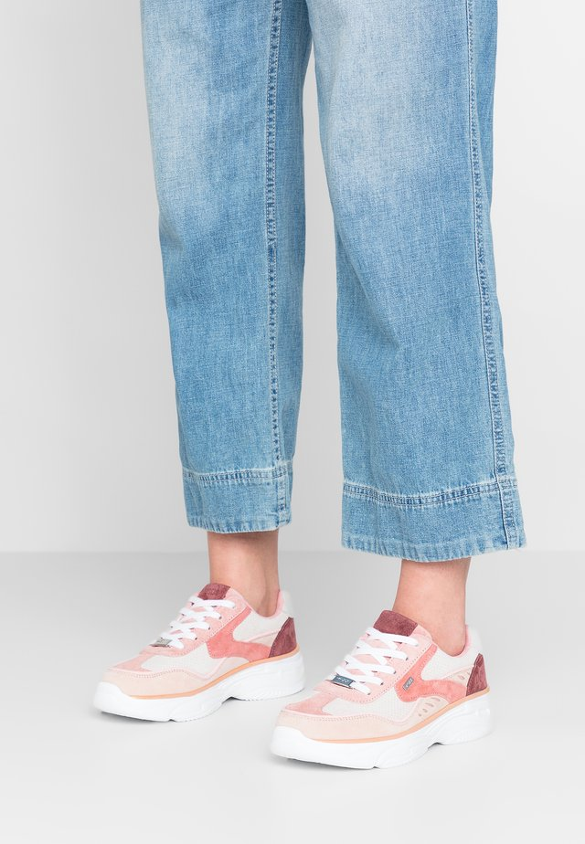 CAIA - Trainers - pink