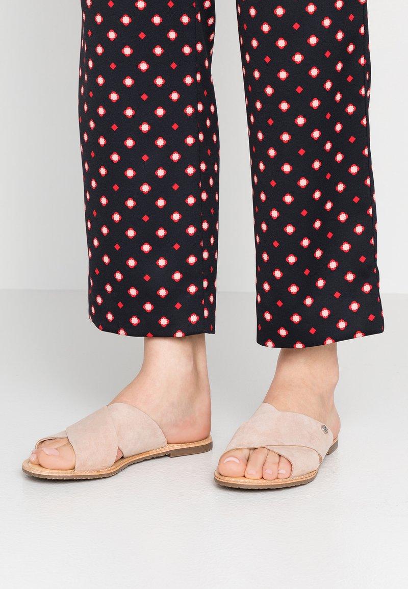 Mexx - CHAYA - Pantolette flach - nude