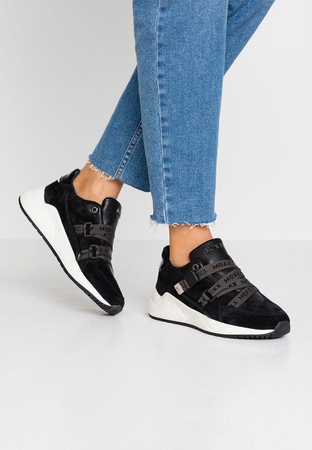 DUNJA - Sneaker low - black