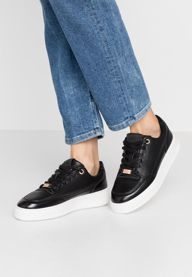 ELIZA - Trainers - black