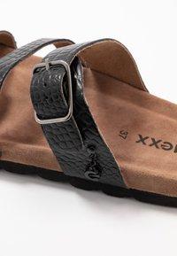 Mexx - ELMIRA - Domácí obuv - black - 2