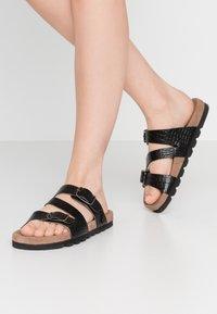 Mexx - ELMIRA - Domácí obuv - black - 0