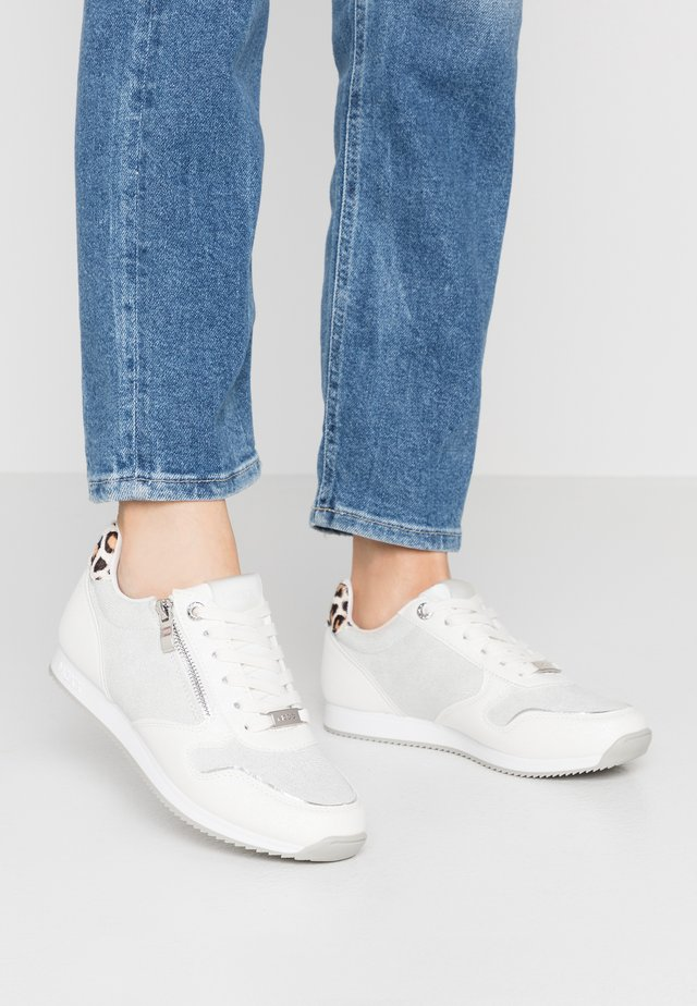 EEMY - Sneakers - white