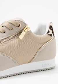 Mexx - EEMY - Sneakers - gold - 2