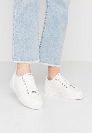 ELKE - Sneaker low - white
