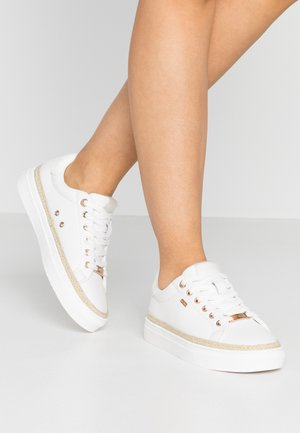 CIS - Trainers - white