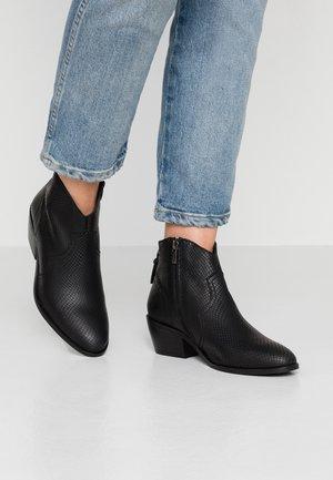 DAVY - Kotníková obuv - black