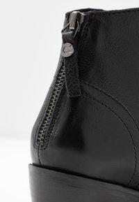 Mexx - DAVY - Kotníková obuv - black - 2