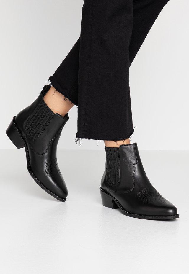 DARLA - Ankelstøvler - black