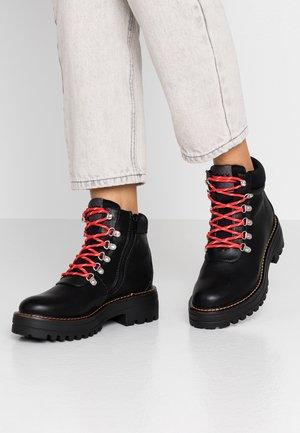 DENSE - Korte laarzen - black