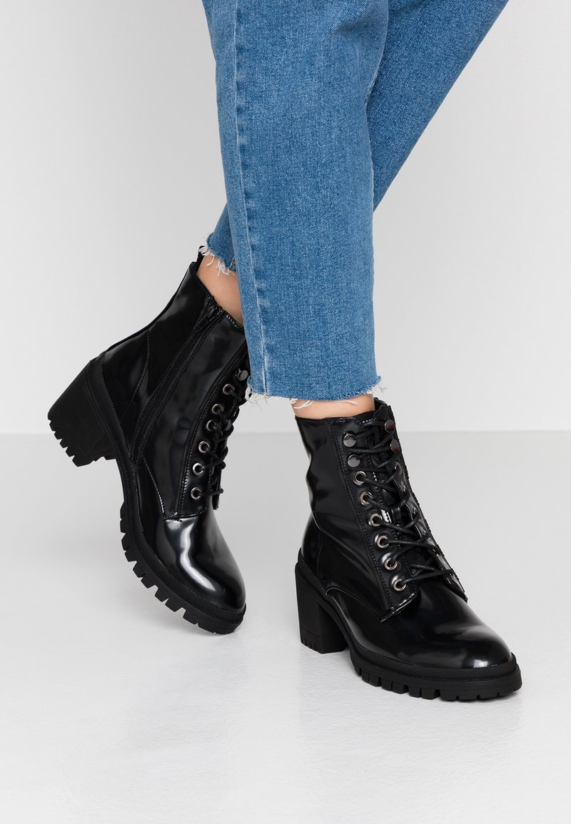 Mexx - DAHLIA - Bottines à lacets - black