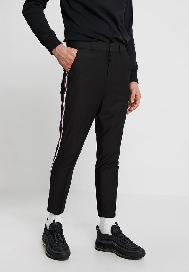 SLIM TAPERED TROUSER WITH SIDE TAPE - Stoffhose - black
