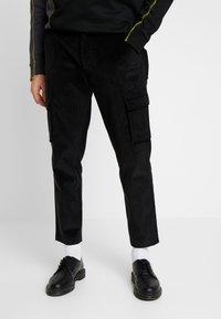 Mennace - UTILITY TROUSERS - Pantaloni cargo - black - 0