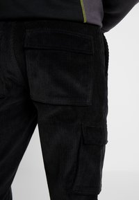 Mennace - UTILITY TROUSERS - Pantaloni cargo - black - 3