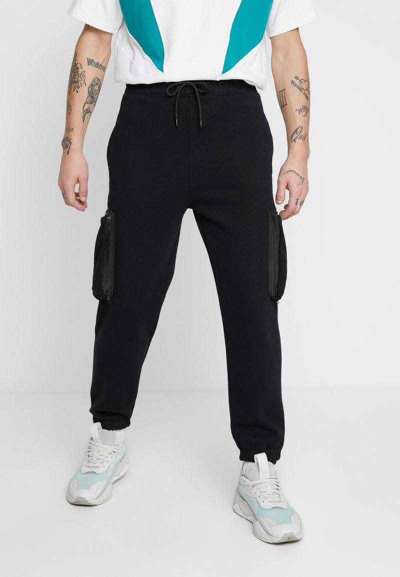 Mennace - UTILITY POCKET - Spodnie treningowe - black