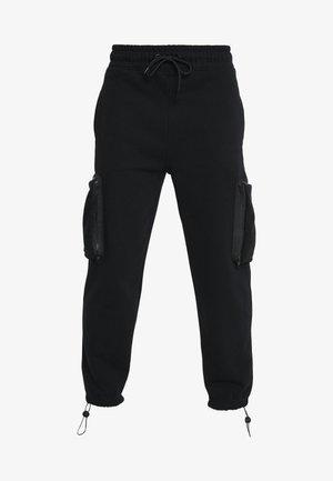 UTILITY POCKET - Teplákové kalhoty - black