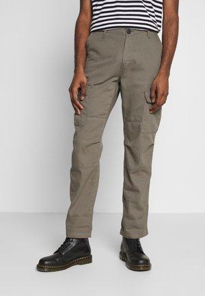 WASHED STRAIGHT - Pantalon cargo - grey