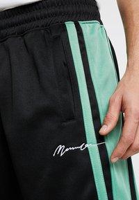 Mennace - SIDE STRIPE TRICOT  - Träningsbyxor - black/green - 5