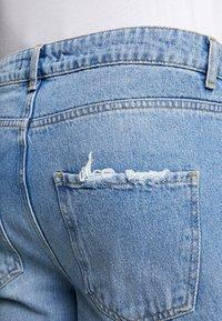 Mennace - GRIFFIN DAD JEAN - Slim fit jeans - light blue - 4