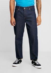 Mennace - GRIFFIN DAD - Straight leg jeans - indigo - 0