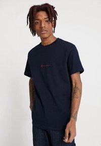 Mennace - ESSENTIAL TEE  - T-shirt - bas - navy - 0