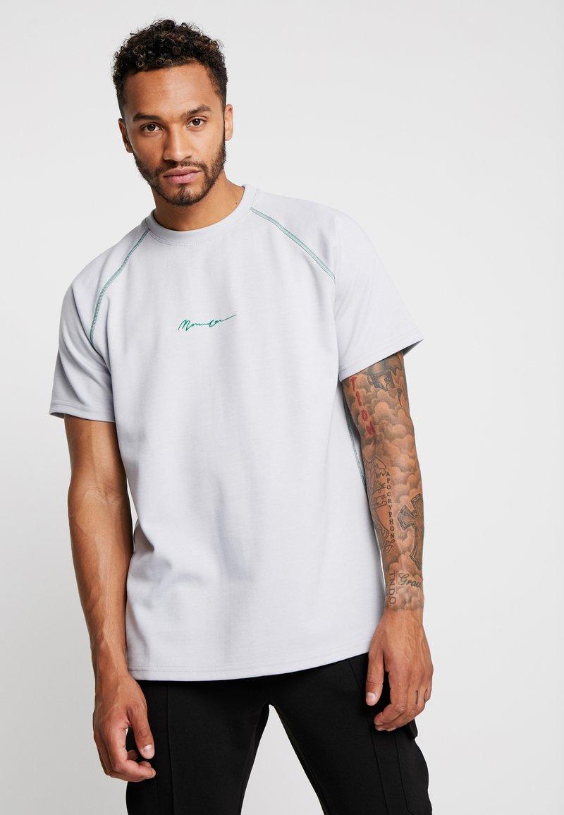 Mennace - CONTRAST STITCH RAGLAN - Print T-shirt - grey