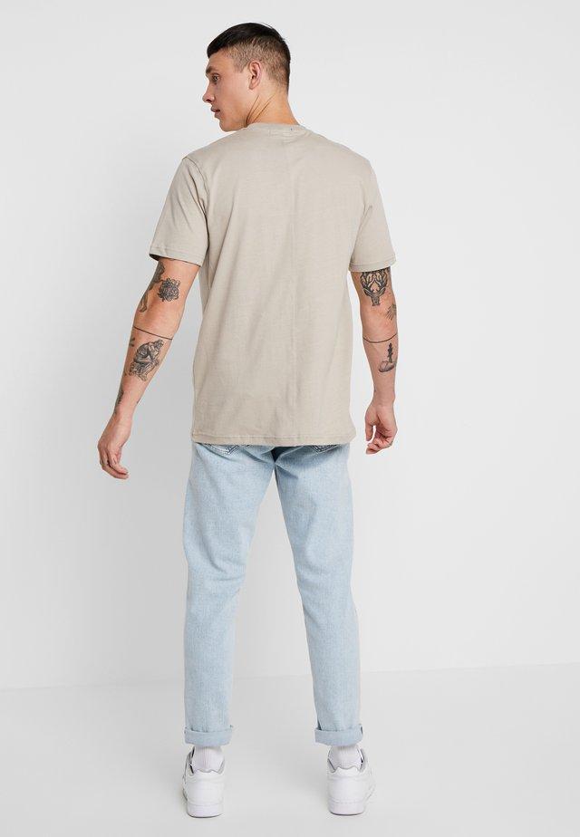 SIGNATURE - T-shirt basic - nude