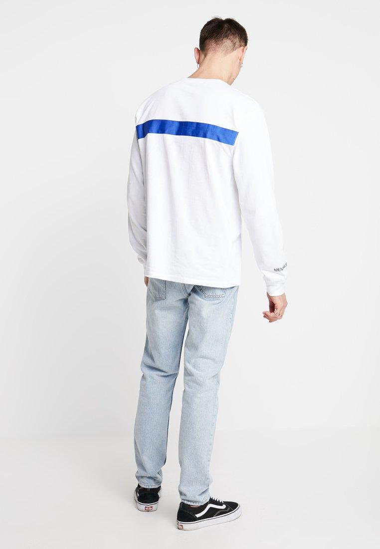 Mennace TapeT Manches shirt À Longues White Front H29EID