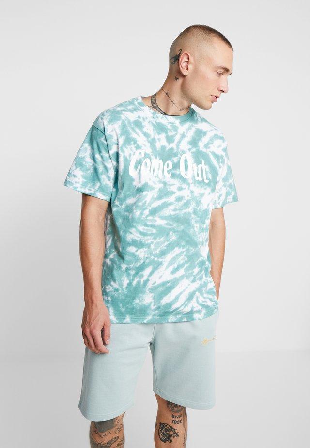 TIE DYE COME OUT - T-Shirt print - green tie dye