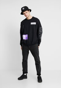 Mennace - REALITY  - Sudadera - black - 1