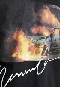 Mennace - BURNING CAR - Longsleeve - black - 5