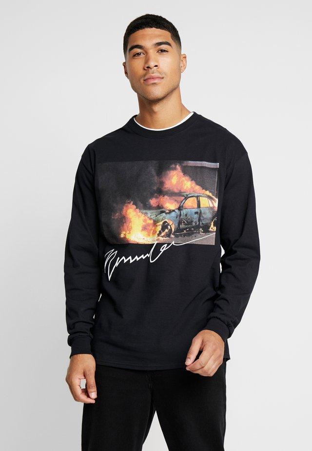 BURNING CAR - Langarmshirt - black
