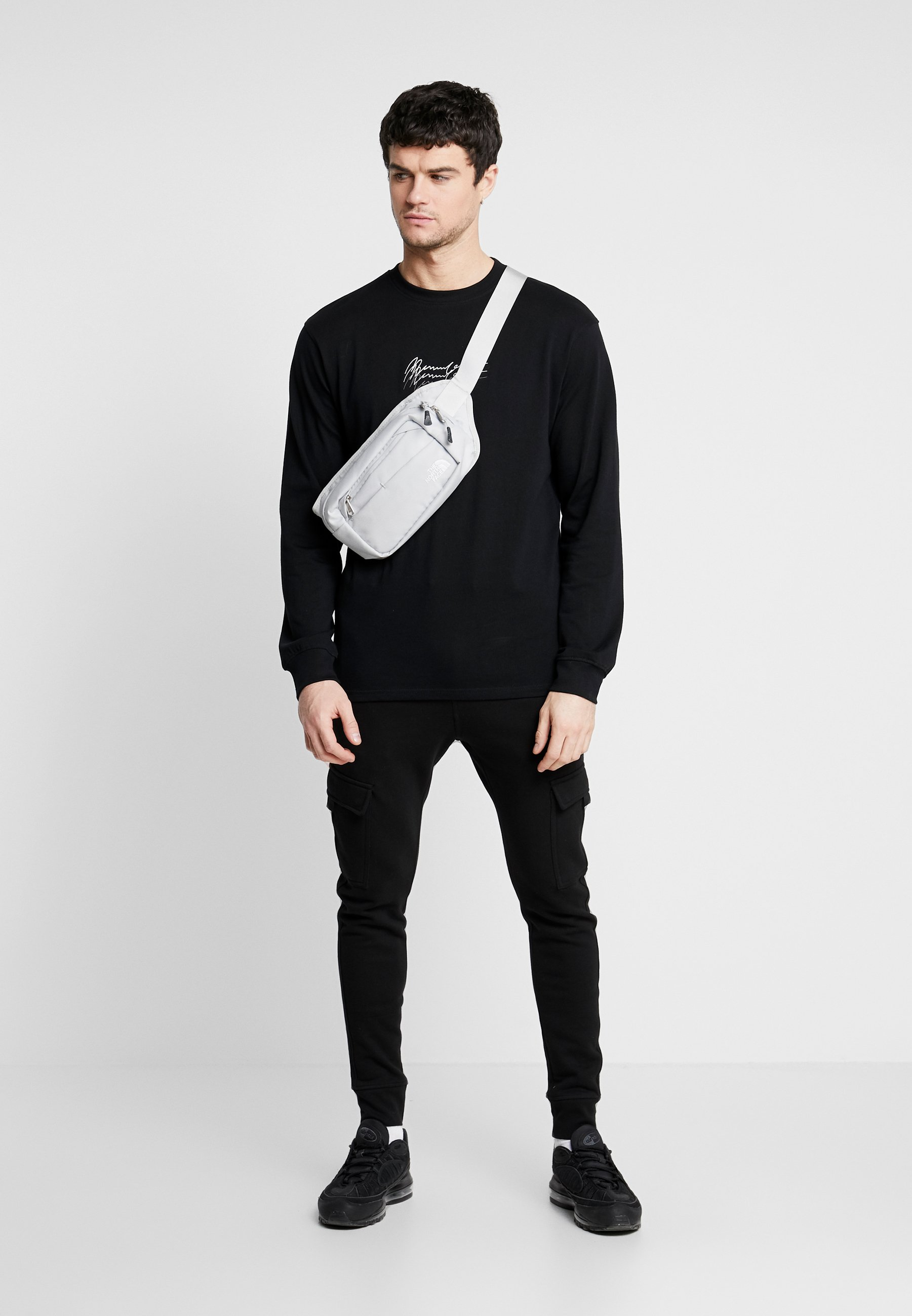 Mennace TRIPLE LONG SLEEEVE - Bluzka z długim rękawem - black