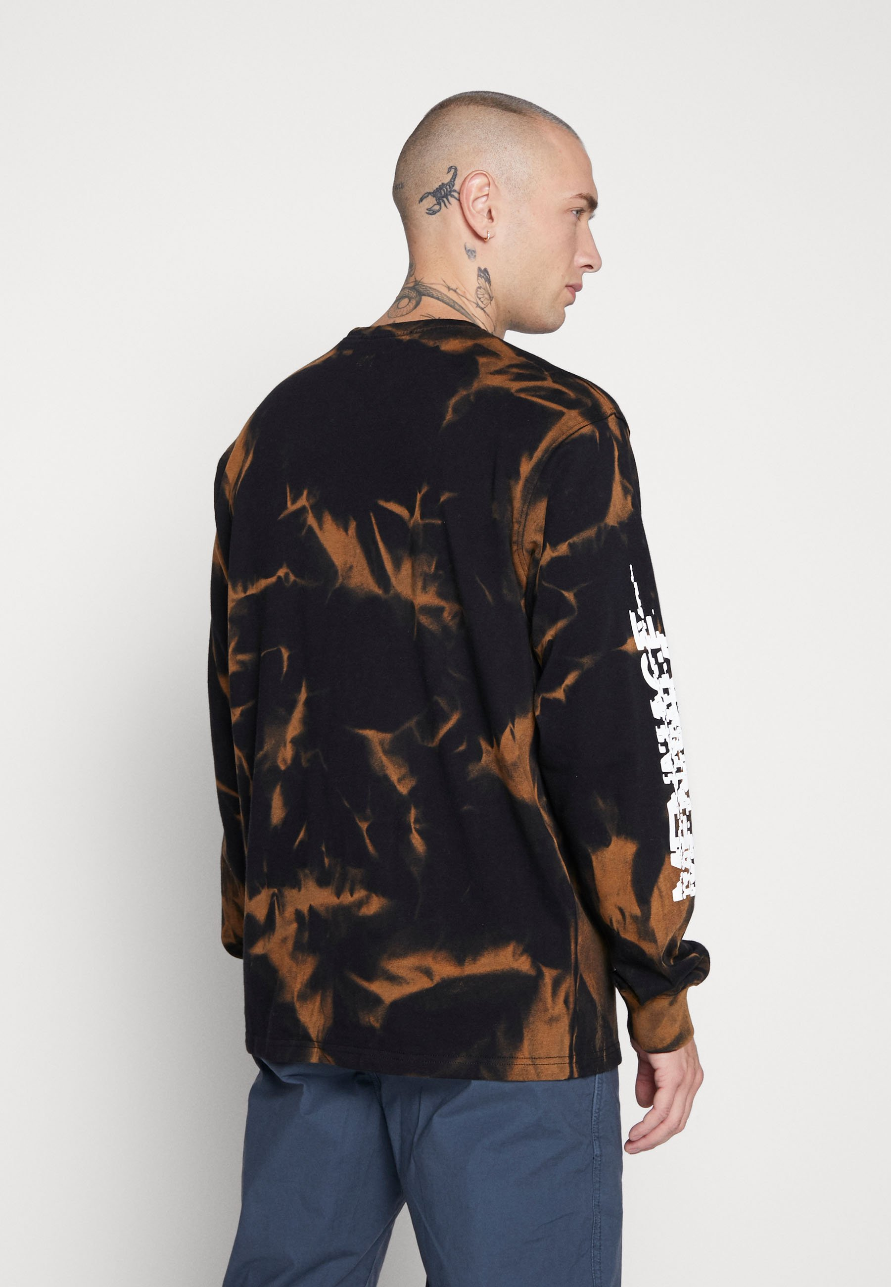 Mennace TIE DYE GRAPHIC  - Langærmede T-shirts - black - Tøj Til Herrer Salg