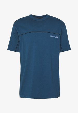 CURVED PIPING - Print T-shirt - teal