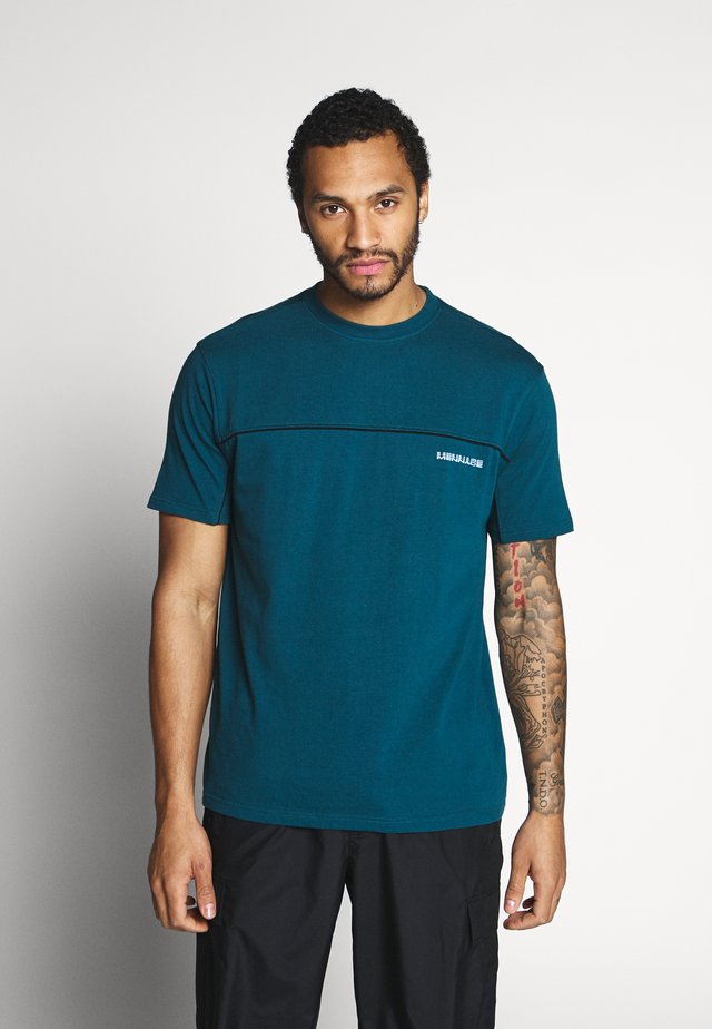 CURVED PIPING - T-shirt z nadrukiem - teal