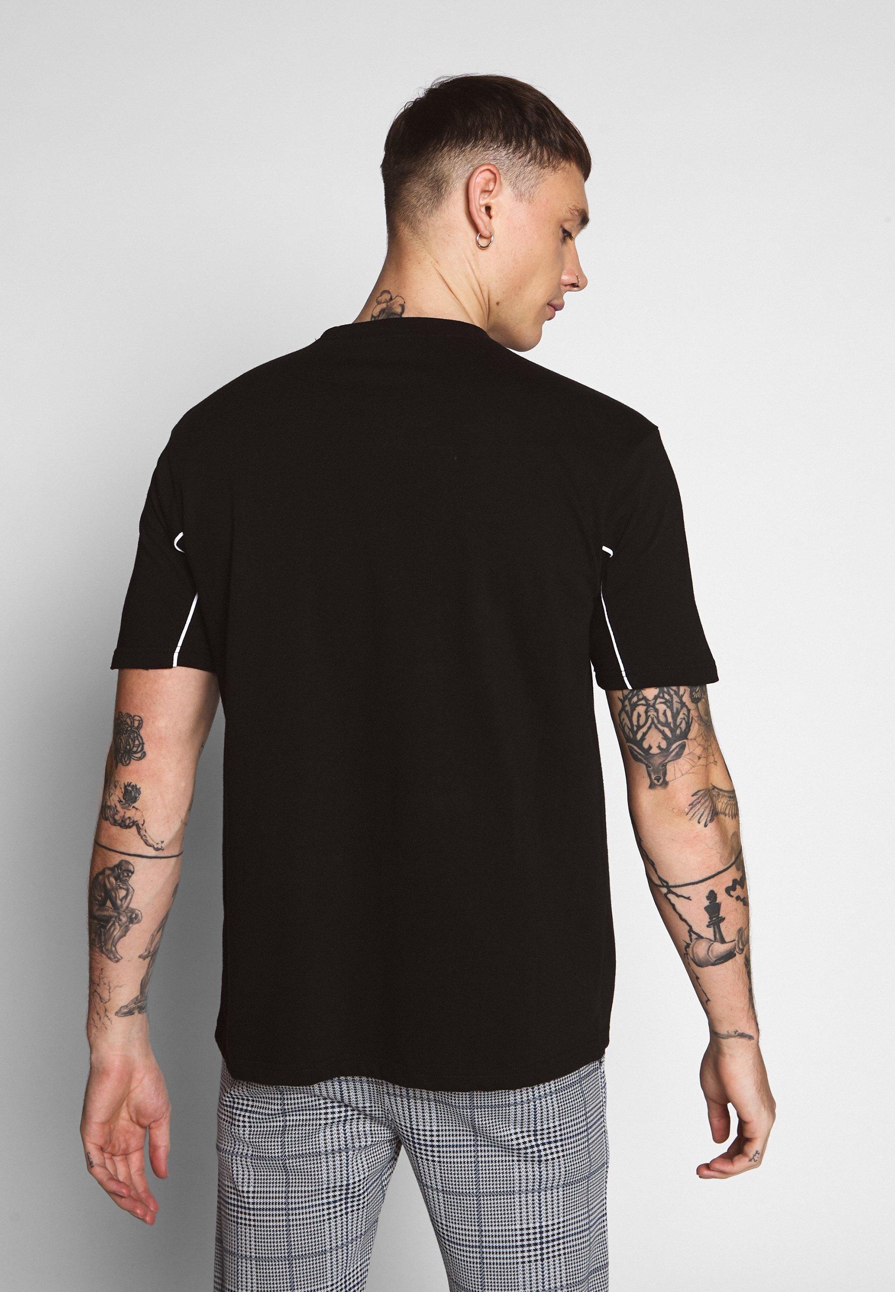 Mennace CURVED PIPING - T-shirt z nadrukiem - black