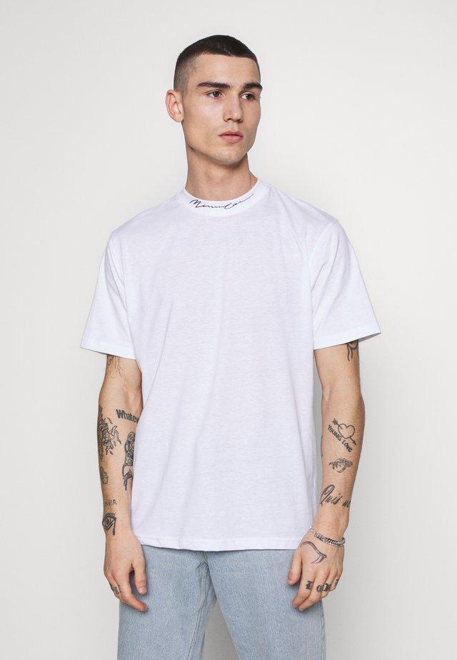 ESSENTIAL SIGNATURE HIGH NECK - T-shirt basic - white