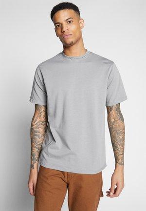 ESSENTIAL SIGNATURE HIGH NECK - T-shirt basique - slate grey