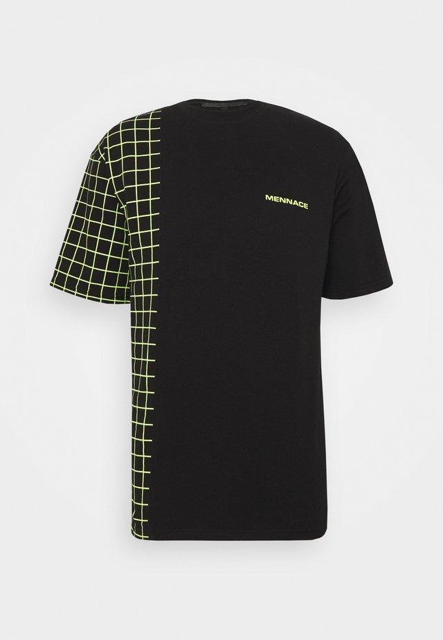 GRID CHECK SPLICE TEE - T-shirts print - black