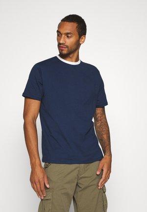 MENNACE PATCH CREW NECK - Print T-shirt - navy