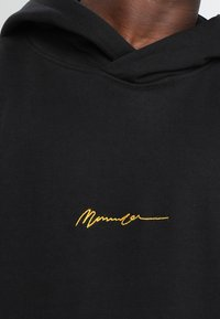 Mennace - ESSENTIAL REGULAR OVERHEAD HOODY WITH SIGNATURE - Hoodie - black