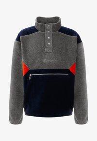 Mennace - CONTRAST PANEL POLAR FUNNEL NECK SWEATSHIRT - Bluza z polaru - charcoal - 4