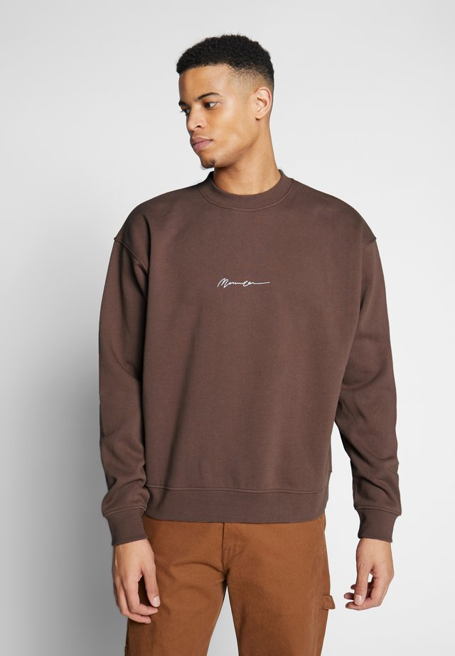 ESSENTIAL SIGNATURE BOXY - Collegepaita - brown