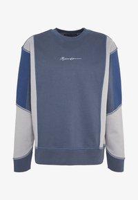 Mennace - UNISEX OVERLOCK PANEL - Sweater - grey - 3