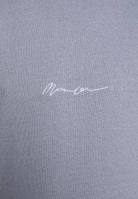 Mennace - ESSENTIAL SIGNATURE BOXY - Sweatshirts - powder blue - 5