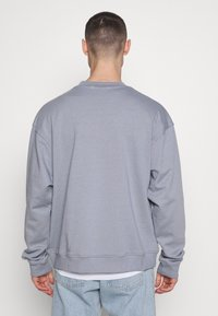 Mennace - ESSENTIAL SIGNATURE BOXY - Sweatshirts - powder blue - 2