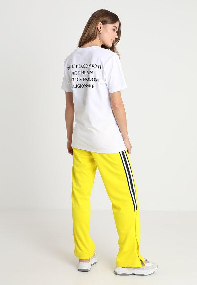 HEART TEE - T-shirt print - white