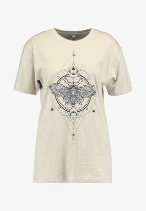 LADIES MOTH TEE - T-shirts med print - sand